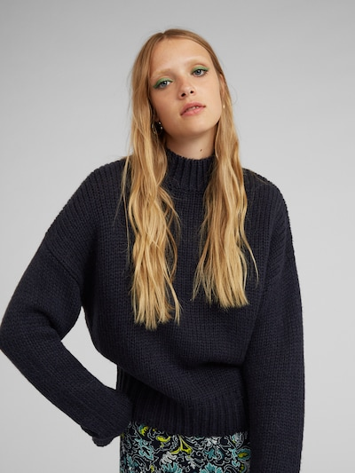 EDITED Pullover 'Egid' in blau, Modelansicht