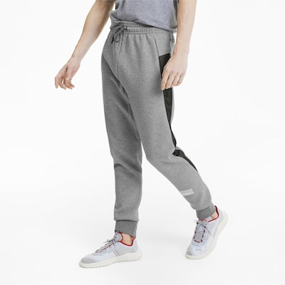 PUMA Avenir Herren Sweatpants in schwarz / weiß, Modelansicht
