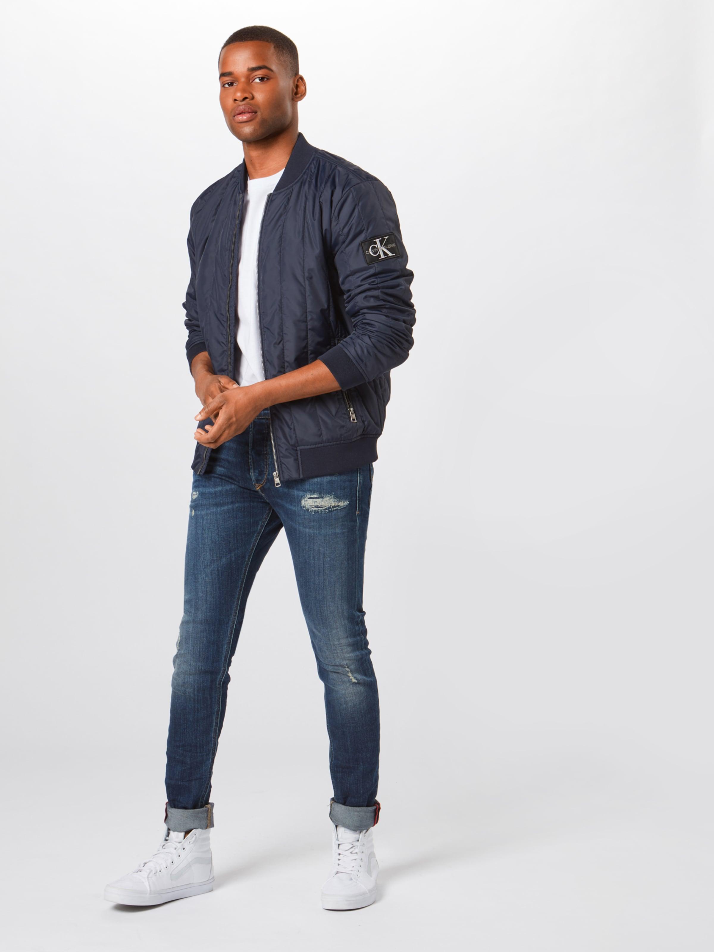 In Jeans Weiß Calvin shirt Klein T XiZuPk