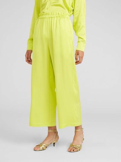 EDITED Spodnie 'Nerian' w kolorze żółtym, Podgląd na modelu(-ce)