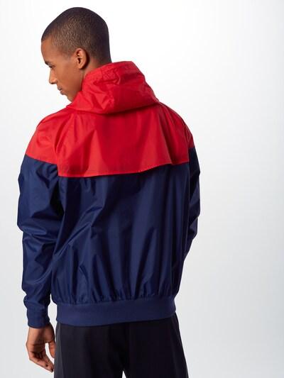 Nike Sportswear Jacke in dunkelblau / rot: Rückansicht