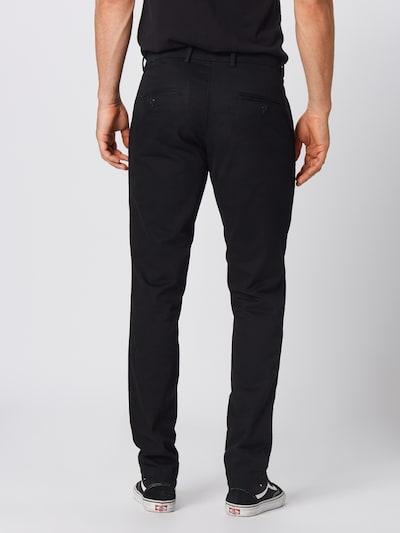 GAP Pantalon 'V-ESSENTIAL KHAKI SLIM FIT' en noir: Vue de dos