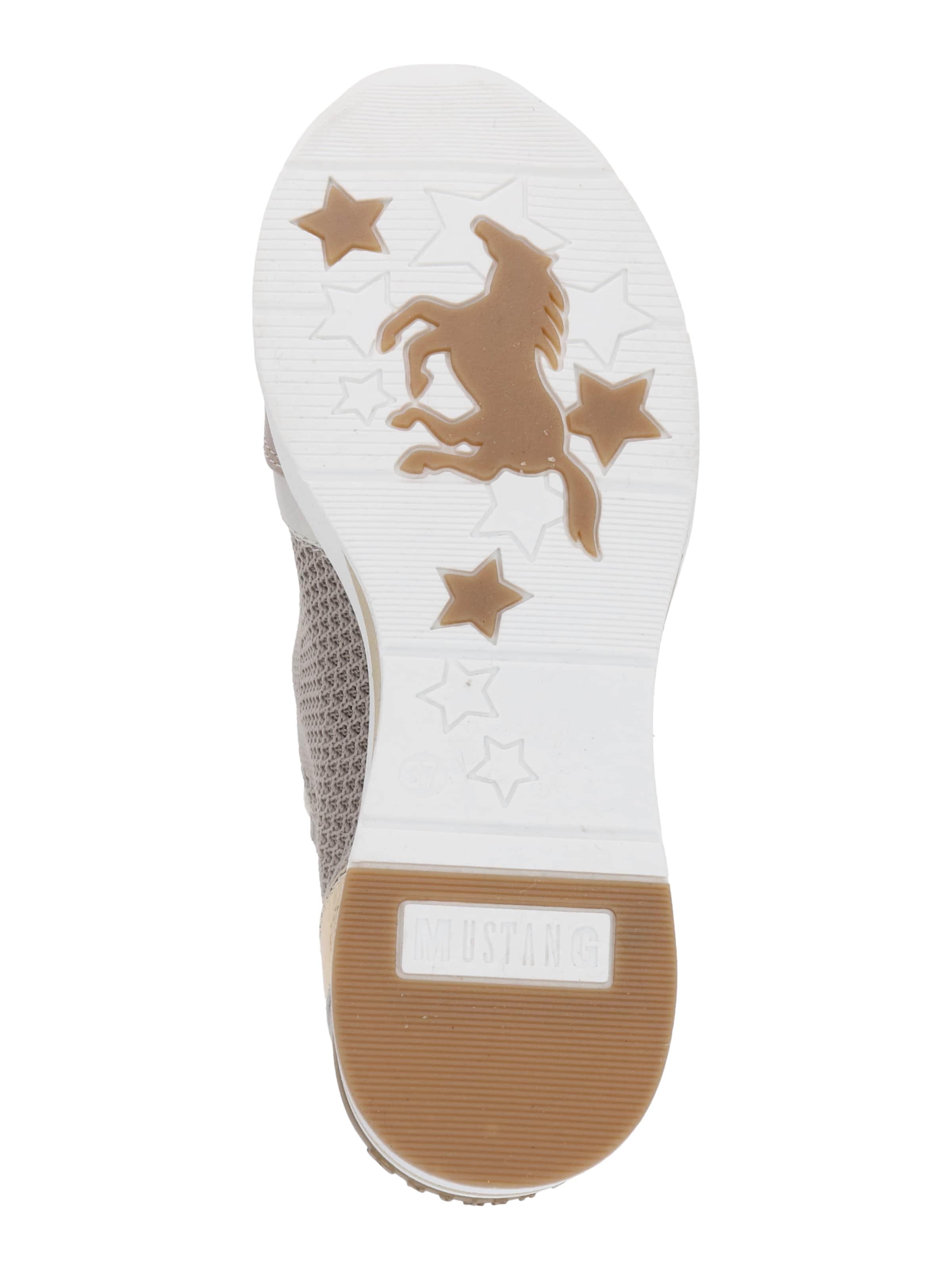 MUSTANG Låg sneaker i beige / vit