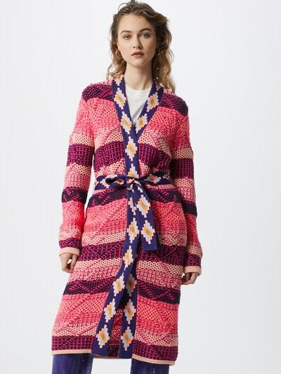 DELICATELOVE Strickmantel 'Hailey' in pink, Modelansicht