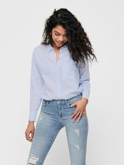 ONLY Bluse in hellblau / weiß, Modelansicht