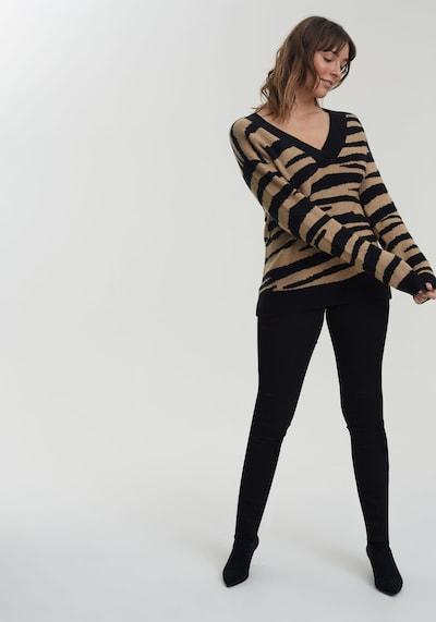 Long Tall Sally Pullover für große Frauen in beige / schwarz, Modelansicht