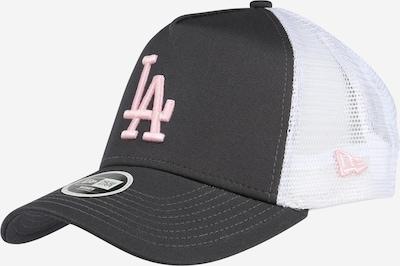 NEW ERA Cap 'Essential Trucker' in dunkelgrau / rosa / weiß, Produktansicht