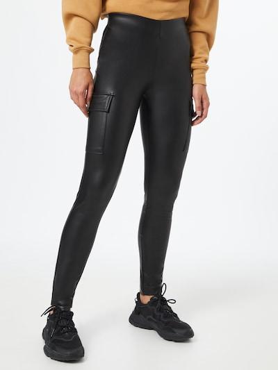 ONLY Broek 'Miri' in de kleur Zwart, Modelweergave