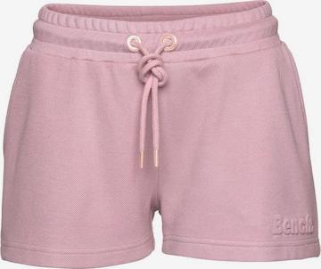 BENCH Sweatshorts in Pink
