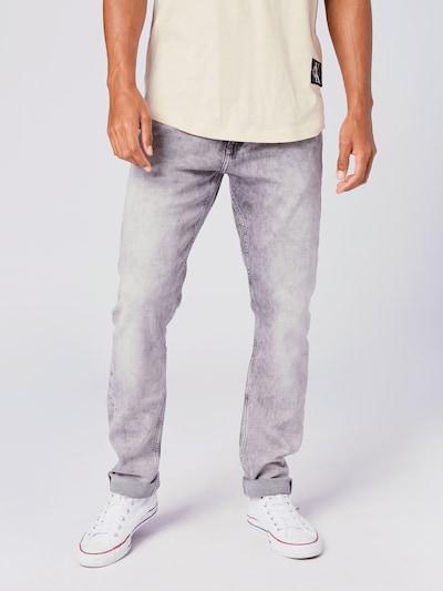 Calvin Klein Jeans Jeansy '026' w kolorze szary denimm, Podgląd na modelu(-ce)