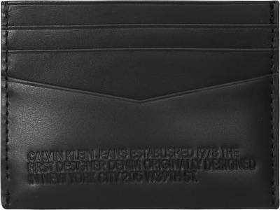 Calvin Klein Jeans Étui 'BOTTLE' en noir, Vue avec produit