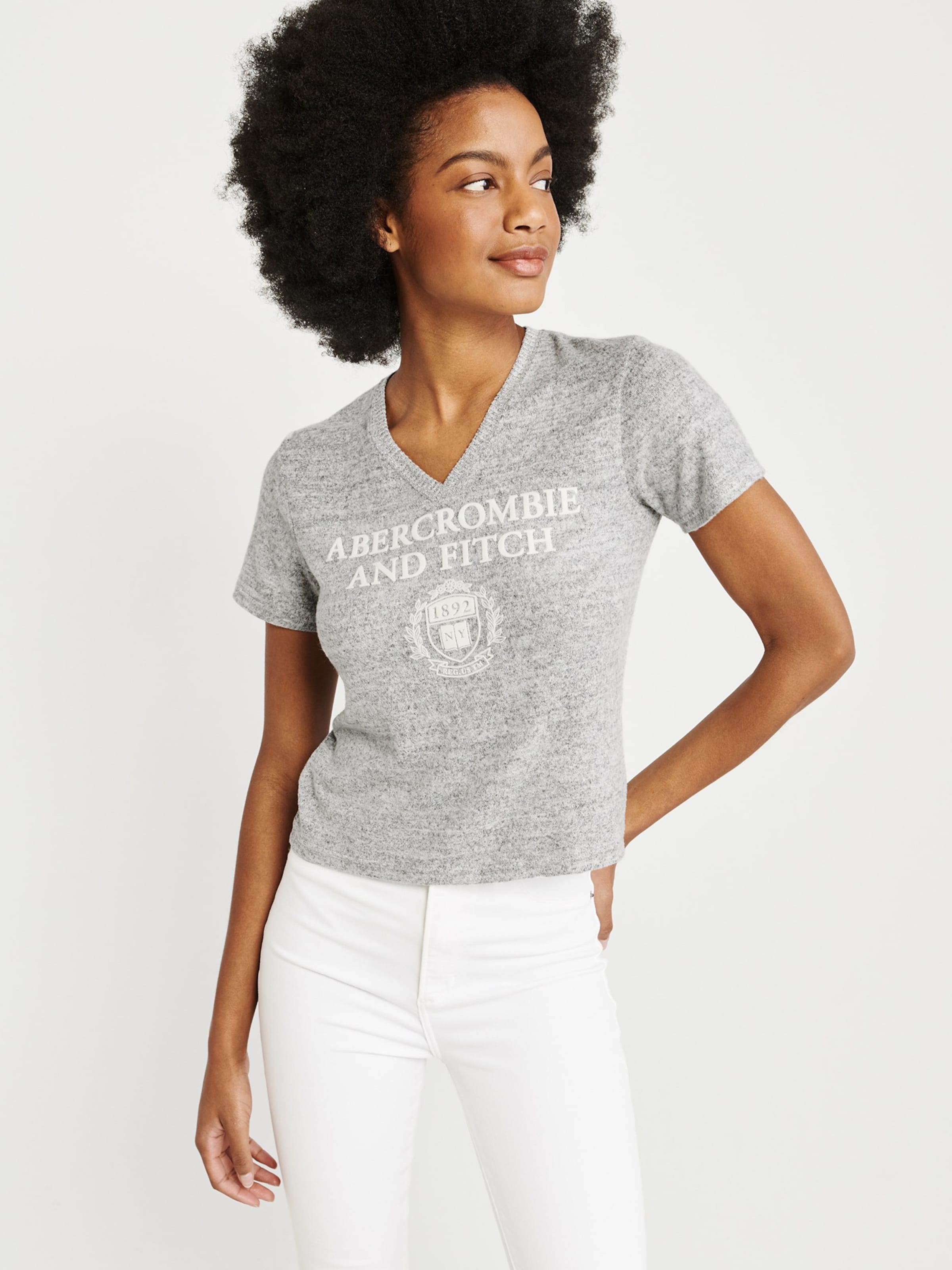 Shirt 'sb19 Tee' In ss Fitch Logo Grau Cozy Abercrombieamp; OPiZTlwkuX