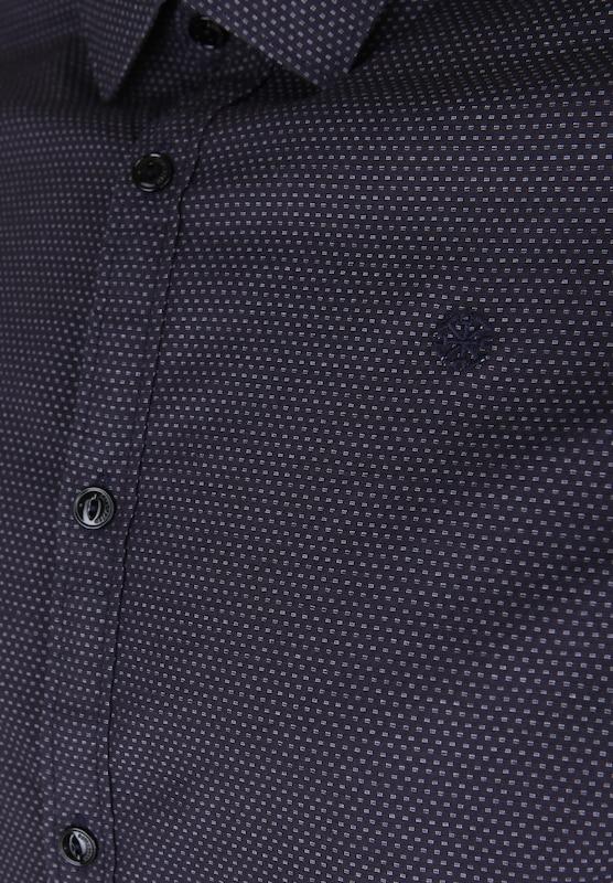 Dstrezzed Hemd mit feiner Musterung