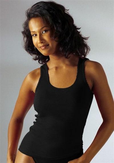 PETITE FLEUR Undershirt in Black: Frontal view
