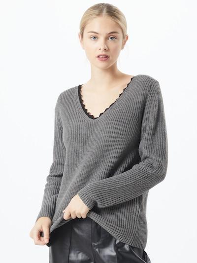 ONLY Pull-over 'Jennie' en gris, Vue avec modèle