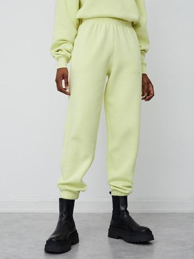 Pantaloni 'Ruby' LeGer by Lena Gercke pe galben, Vizualizare model