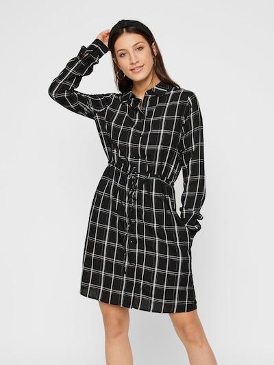 PIECES Blusenkleid in schwarz / weiß, Modelansicht
