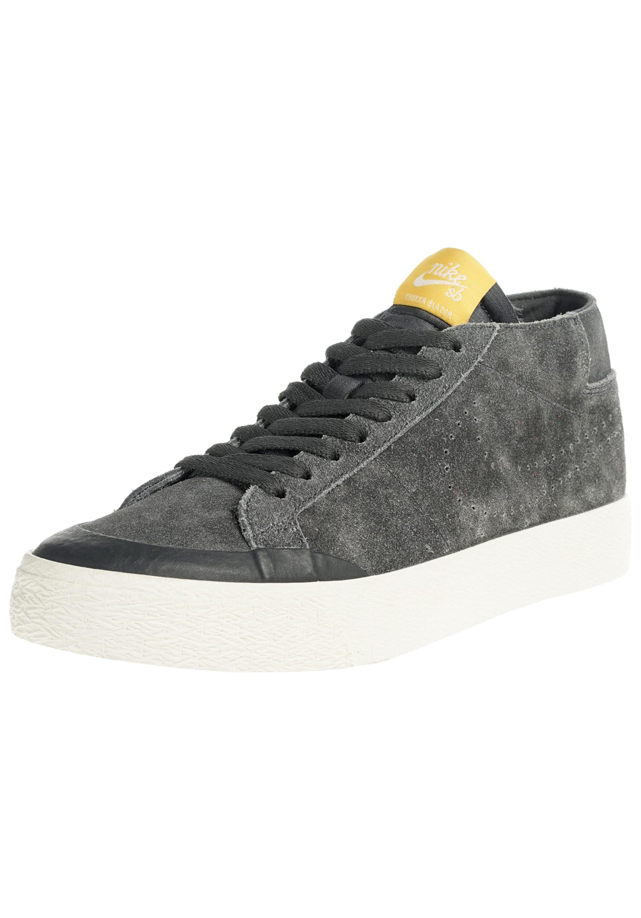 Nike SB Sneaker  Zoom Chukka Xt