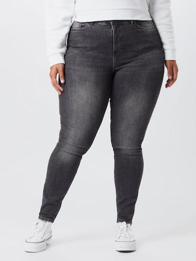 Vero Moda Curve Jeans 'LORA' in de kleur Black denim, Modelweergave