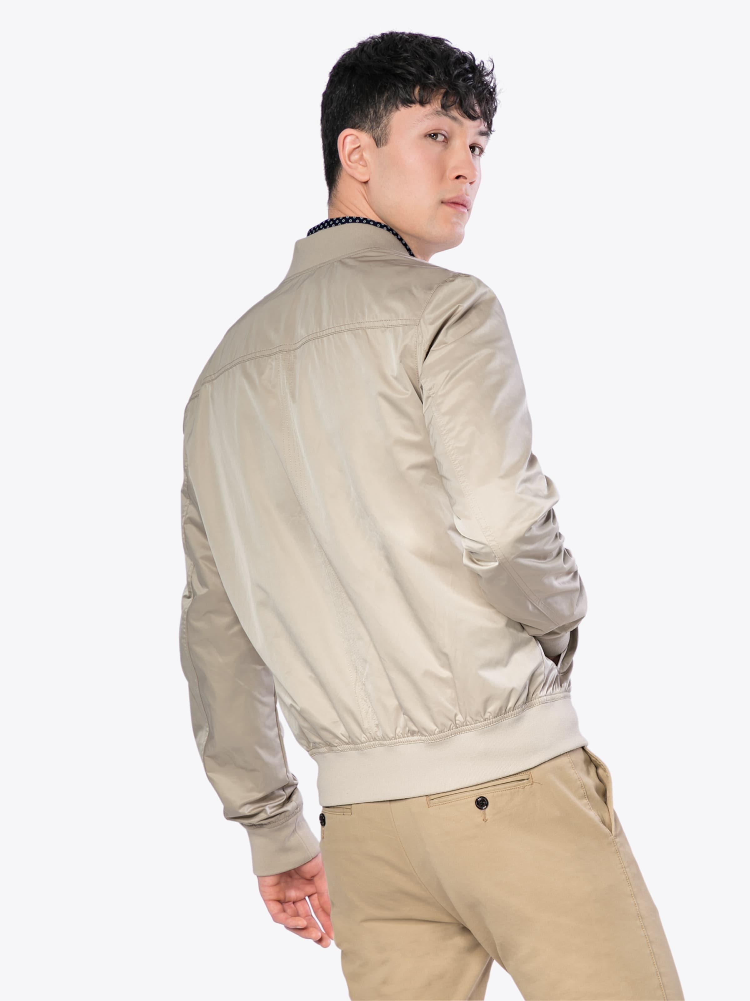 Vorbestellung Geschäft Zum Verkauf Tommy Jeans Jacke 'TJM ESSENTIAL STRAIGHT BOMBER' Billig Wie Viel PqEsU9s
