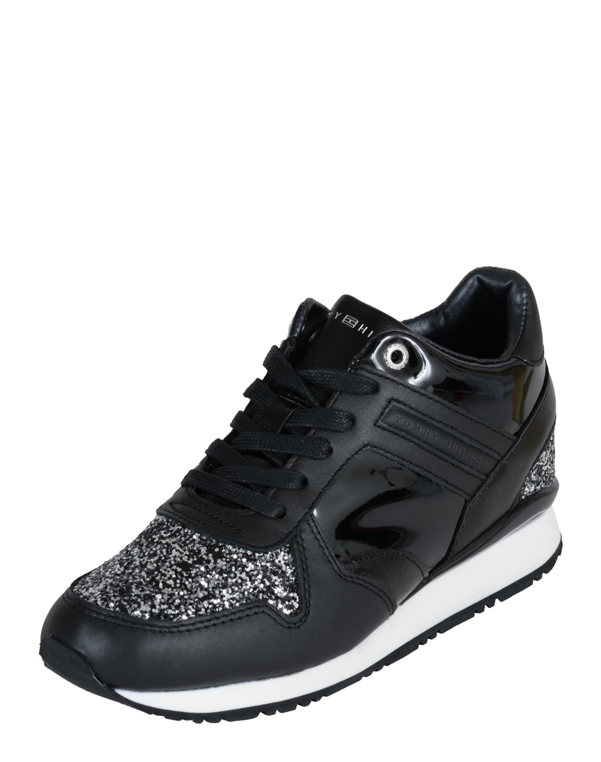 Haltbare Mode billige Schuhe TOMMY HILFIGER   Sneaker 'Sady' Schuhe Gut getragene Schuhe