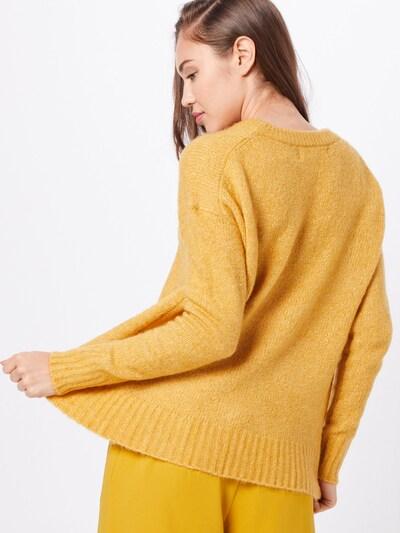 VERO MODA Sweter 'KIZZI' w kolorze złoty żółtym: Widok od tyłu