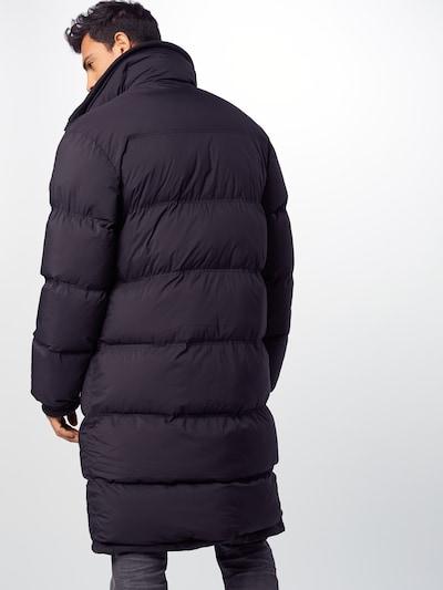 DRYKORN Winterjas 'ARIKK' in de kleur Zwart: Achteraanzicht