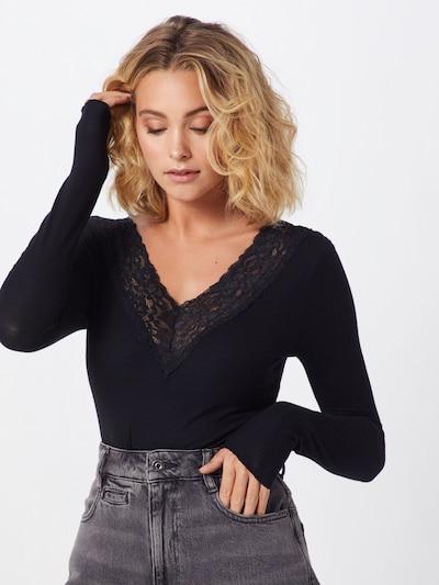 Marškinėliai iš PIECES , spalva - juoda: Vaizdas iš priekio