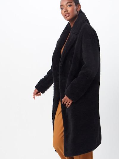 Urban Classics Wintermantel in de kleur Zwart, Modelweergave