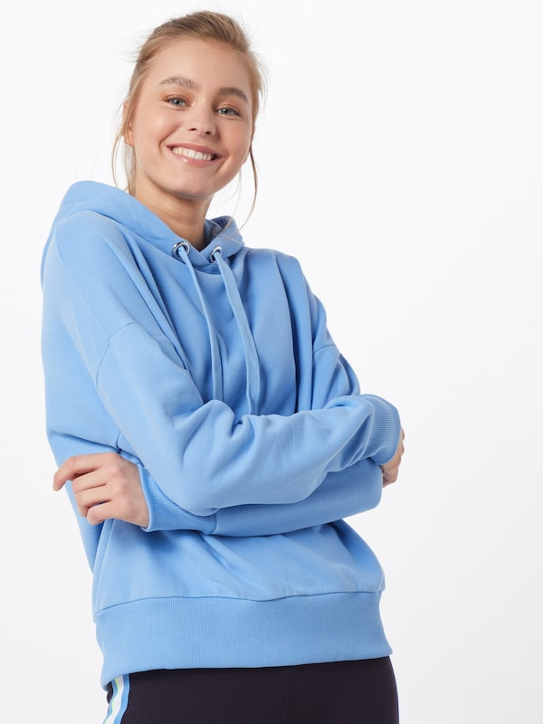 Rich & Royal Sweatshirt 'Felpa' in hellblau, Modelansicht