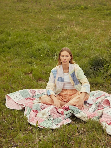 Colorful Picnic Look