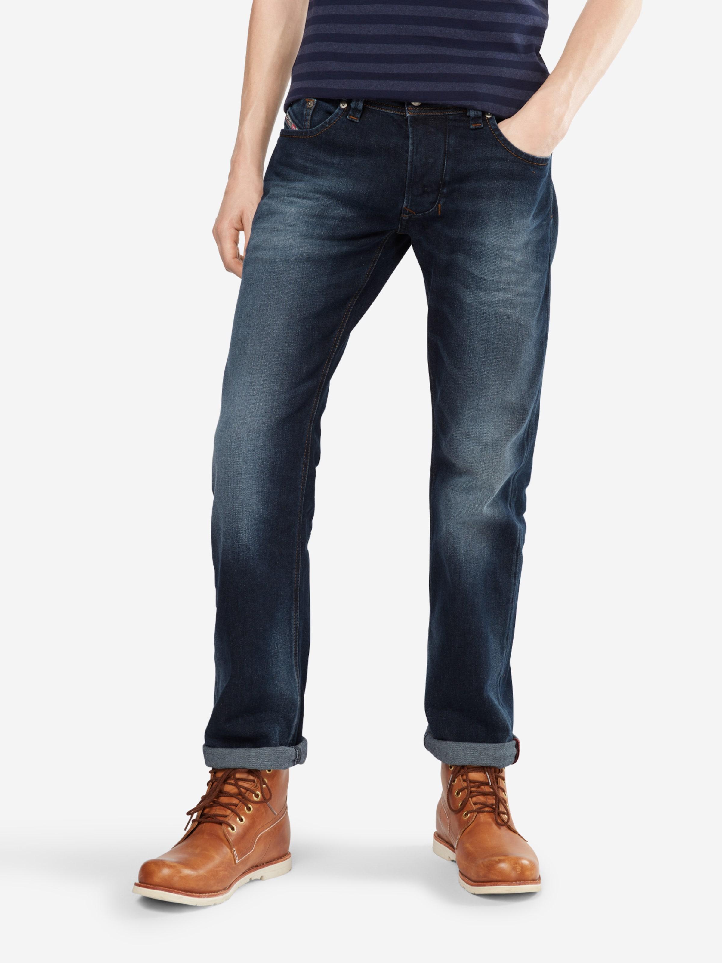 DIESEL 'Larkee' Jeans Regular Fit 853P