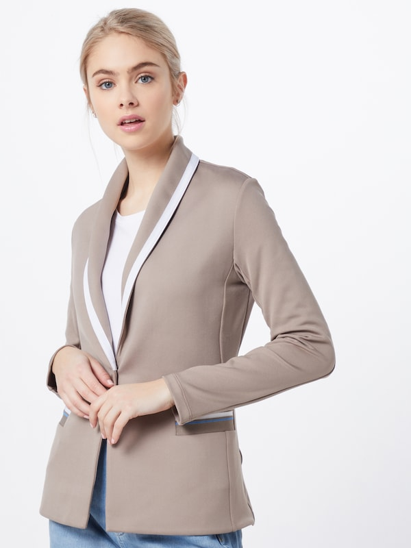 Rich & Royal Blazer in nude, Modelansicht
