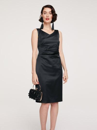 heine Etuikleid in schwarz, Modelansicht