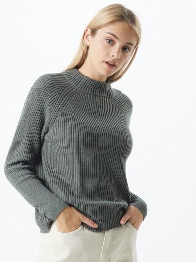 Pulover 'Jennie' ONLY pe verde, Vizualizare model