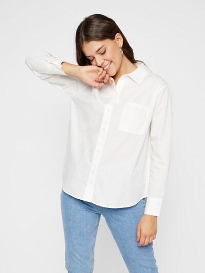 PIECES Langärmeliges Hemd in weiß, Modelansicht