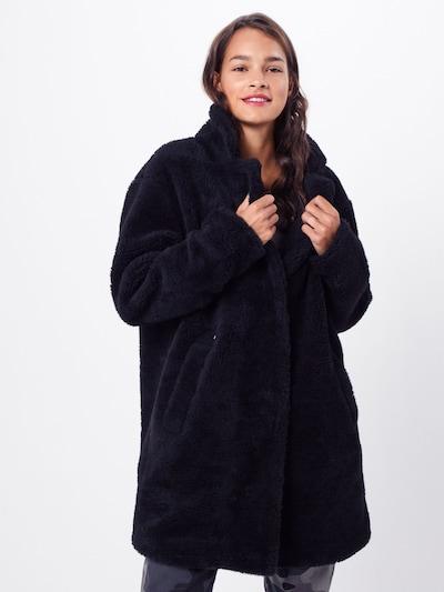 Urban Classics Mantel 'Sherpa' in schwarz, Modelansicht