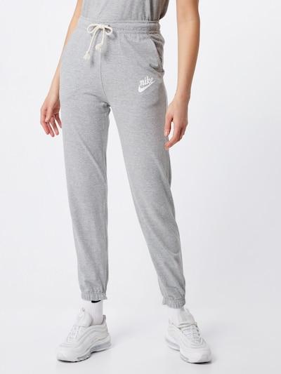 Nike Sportswear Hlače 'W NSW GYM VNTG PANT' | siva barva, Prikaz modela