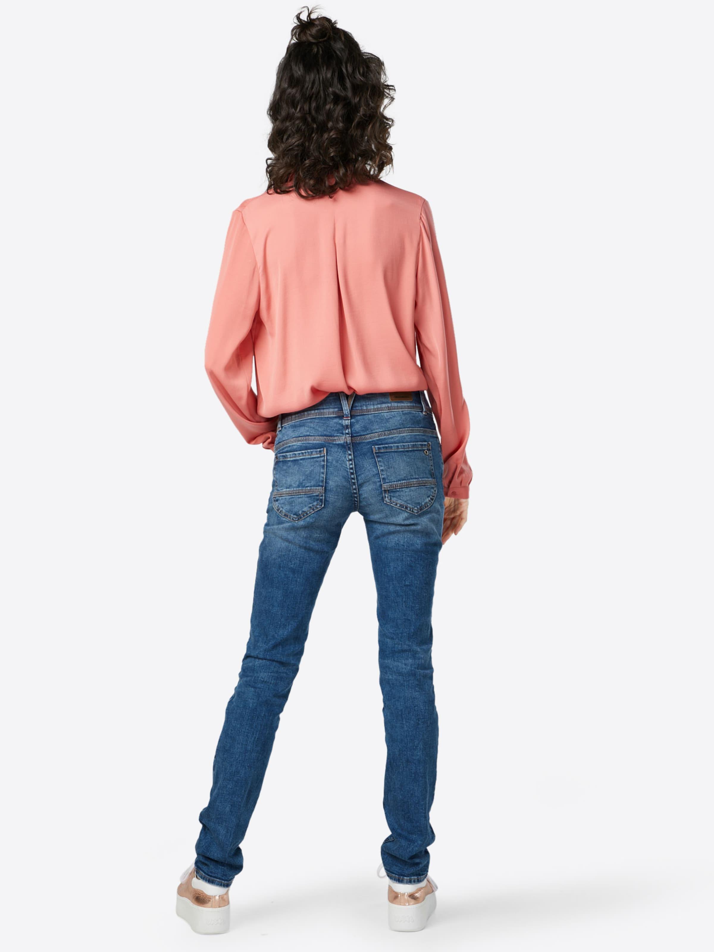 s.Oliver RED LABEL Jeans 'Shape Slim' Spielraum Sehr Billig Spielraum Neueste Verkauf Eastbay jdT1mv