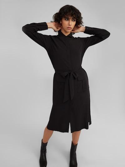 EDITED Košeľové šaty 'Rilana' - čierna, Model/-ka