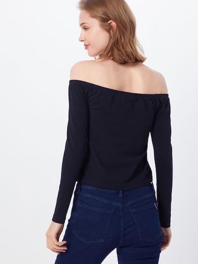 Calvin Klein Jeans Koszulka 'BARDOT' w kolorze czarnym: Widok od tyłu