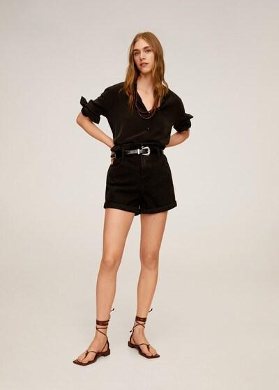 MANGO Shorts in schwarz, Modelansicht