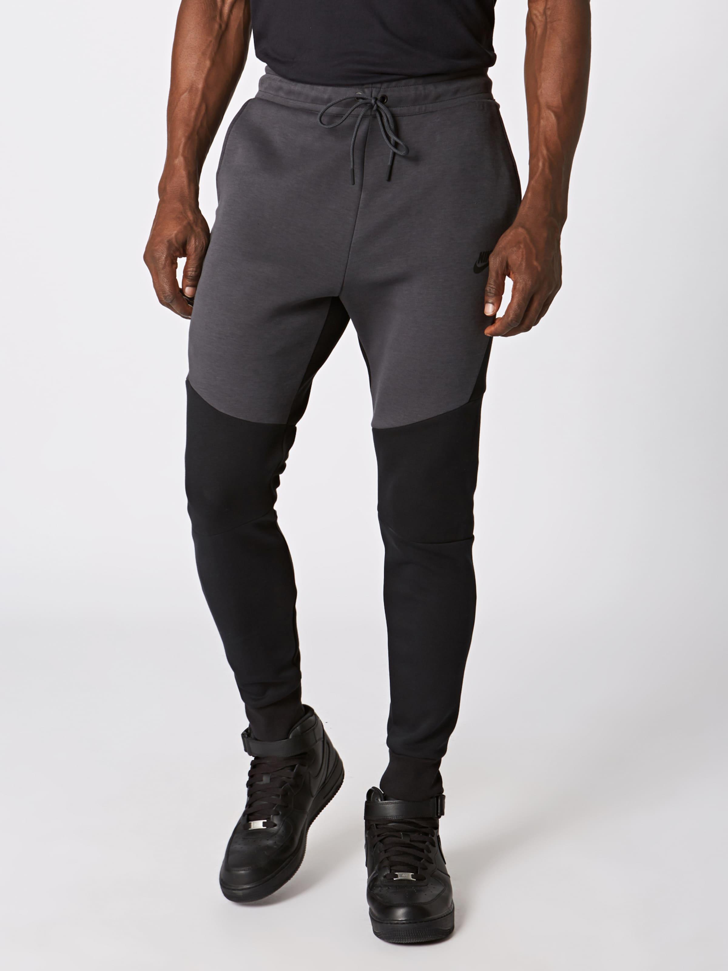 Sportswear Jogginghose Nike In Sportswear In Sportswear DunkelgrauSchwarz Nike DunkelgrauSchwarz Jogginghose Jogginghose Nike QrshdtxC
