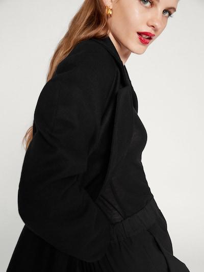 EDITED Mantel 'Emilia' in schwarz, Modelansicht
