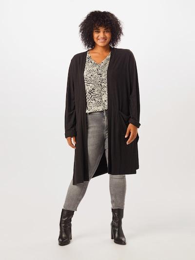 ONLY Carmakoma Strickjacke in schwarz, Modelansicht