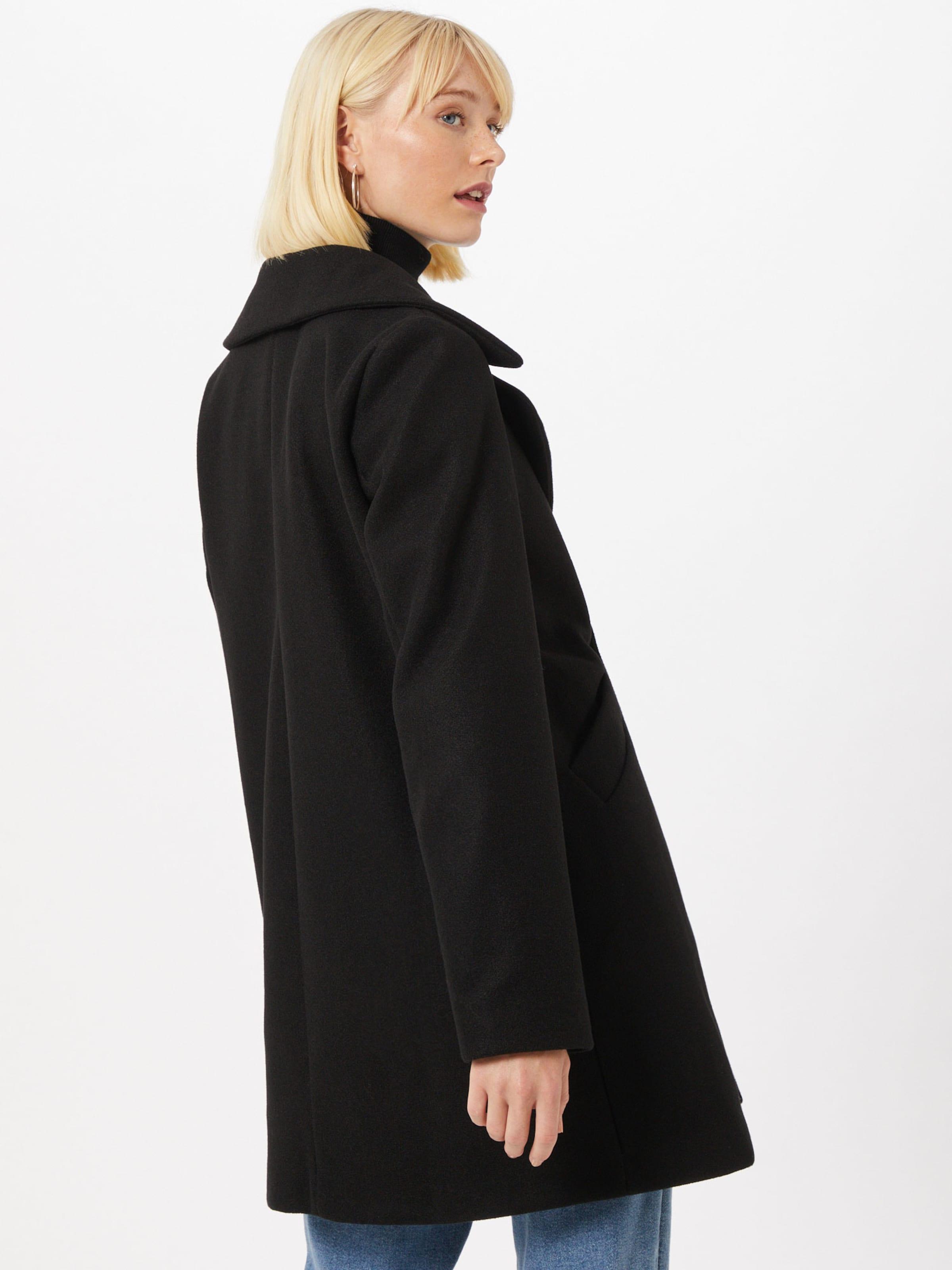Amber & June Átmeneti kabátok fekete színben