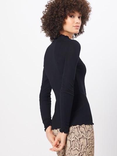 Tricou 'NELLI' Samsoe Samsoe pe negru: Privire spate