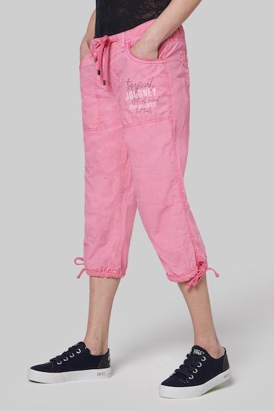 Soccx Skater Bermuda mit Label Print in rosa, Modelansicht