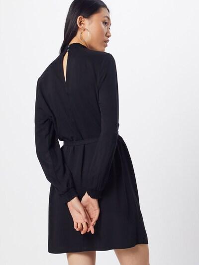 ONLY Sukienka 'ONLFALMA SMOCK DRESS SOLID WVN' w kolorze czarnym: Widok od tyłu