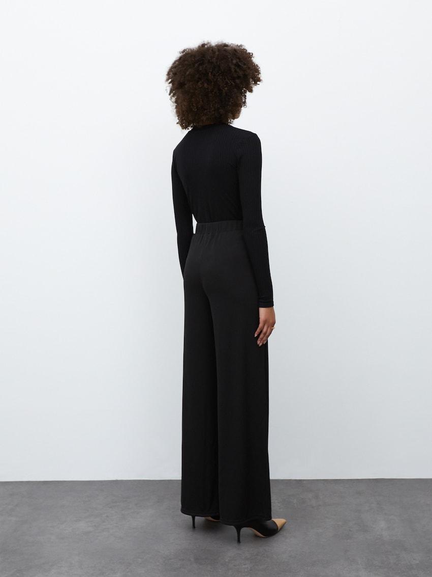 Body 'Eleonora'